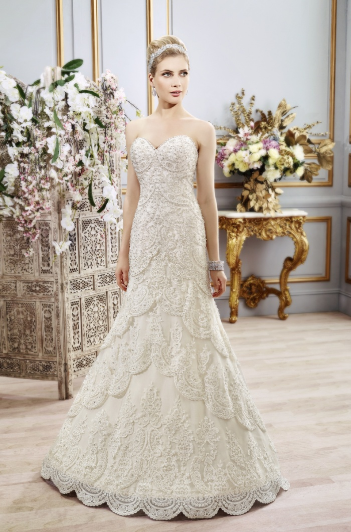 Luxurious Designer Wedding Gowns | Lavish Wedding Ideas | Val ...