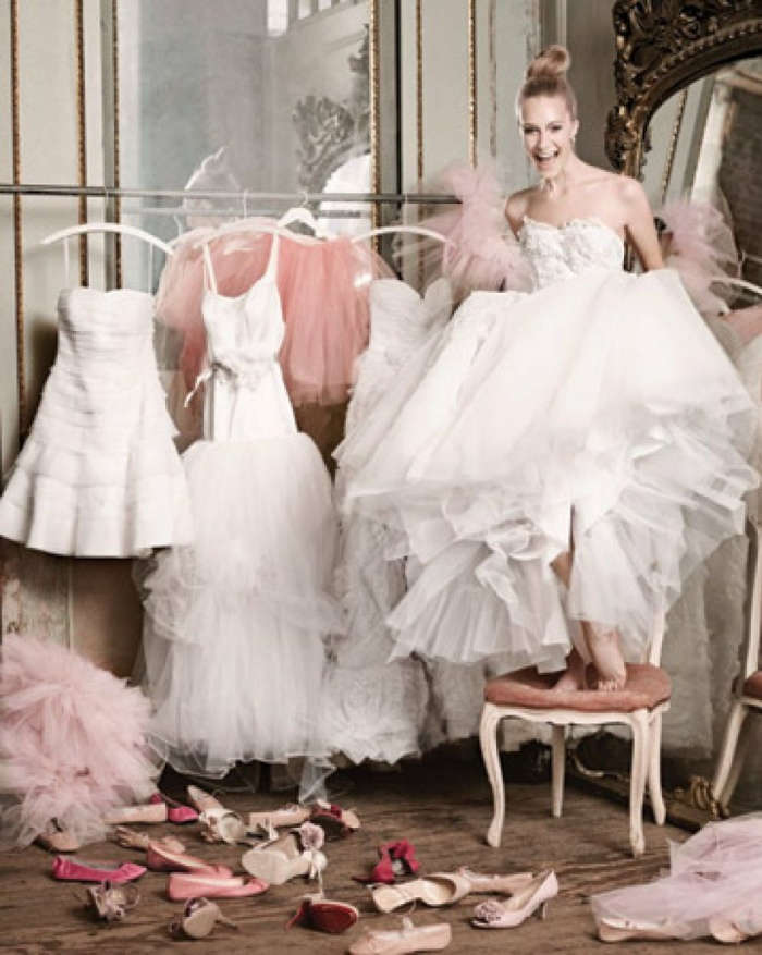 Dos And Don'ts Of Wedding Dress Shopping
