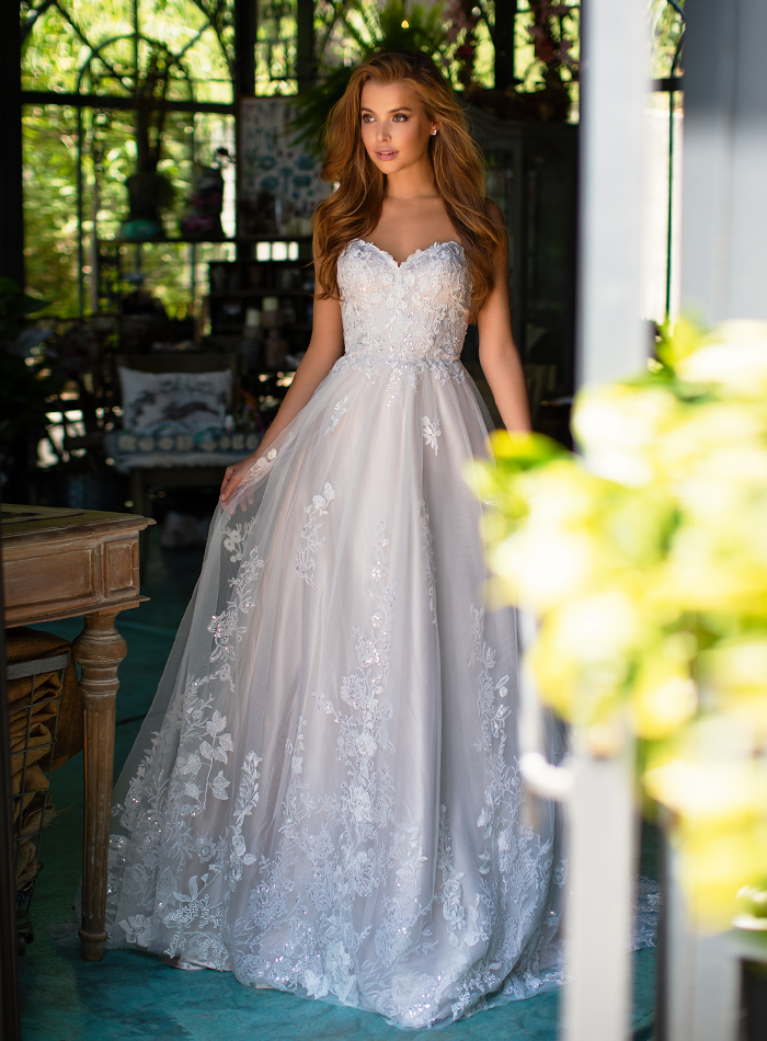 b7953fae51c Can a dress be purchased directly from you or over the Internet