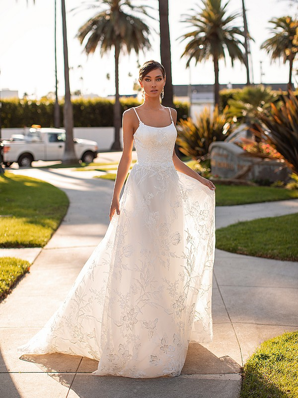Simple Scoop Neck Lace A-line Casual Wedding Dress with  Thin Straps Simply Val Stefani Boheme S2163