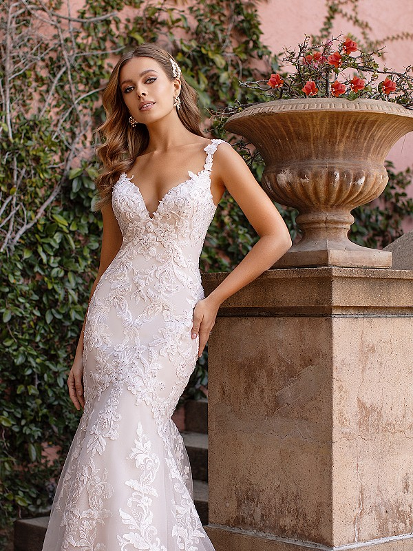 Romantic Lace Fitted Bodice with Deep Sweetheart Neckline and Lace Straps Val Stefani Fynn D8243