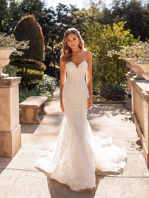 Lavish Strapless Sweetheart Neckline Mermaid Wedding Dress with Beaded Lace Appliques Val Stefani Lux D8245