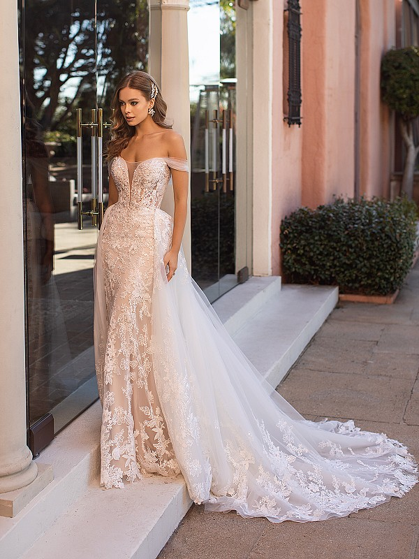 Couture Tulle and Organic Lace Off-the-Shoulder Mermaid Wedding Dress with Detachable Train Val Stefani Zia D8250