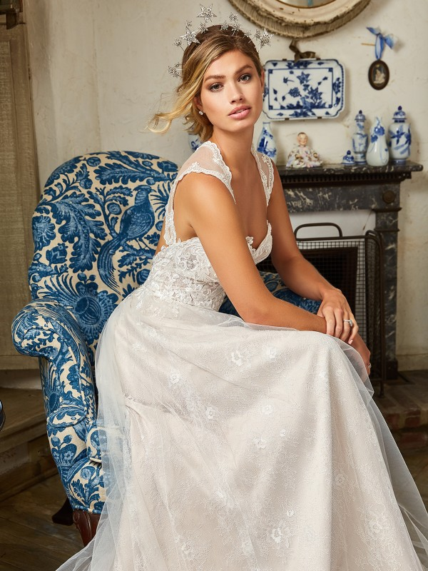 Style ELLWOOD tulle and lace appliques bridal gown with sequins and cap sleeves in ivory and cashmere