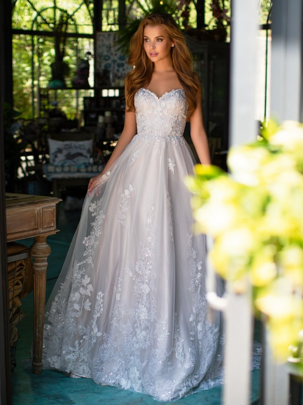 Style LEONIS strapless tulle wedding dress with shimmery lace appliques