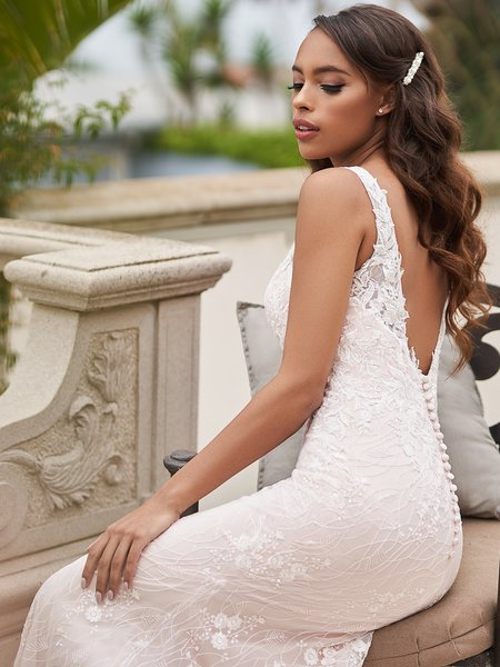 Style ALISO elegant embroidered lace fabric with sequin re-embroidered lace appliques mermaid gown with buttons along zipper